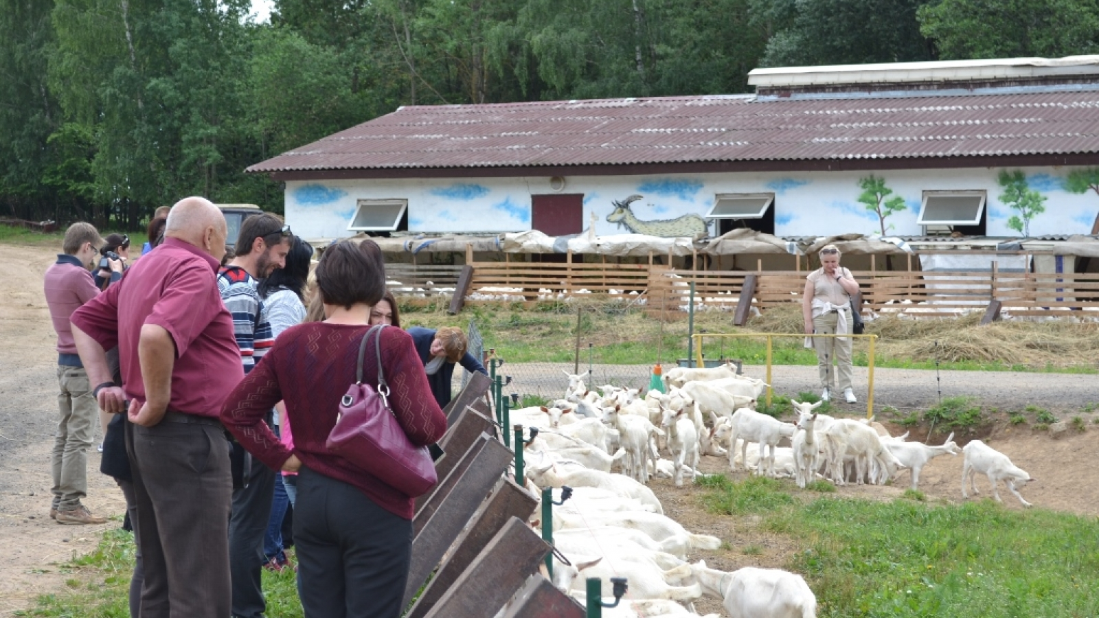 EU-supported study tour demonstrates new green ways of farming in Belarus