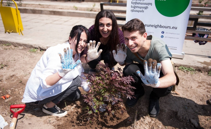 YEAs plant trees in Armenia for World Environment Day