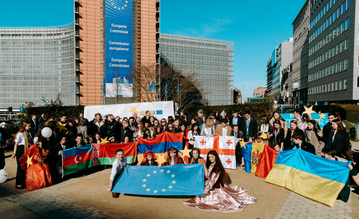 The Young European Ambassadors during the flash mob