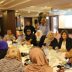 Palestine : Civil police partners with civil society organisations to explore mutual expectations