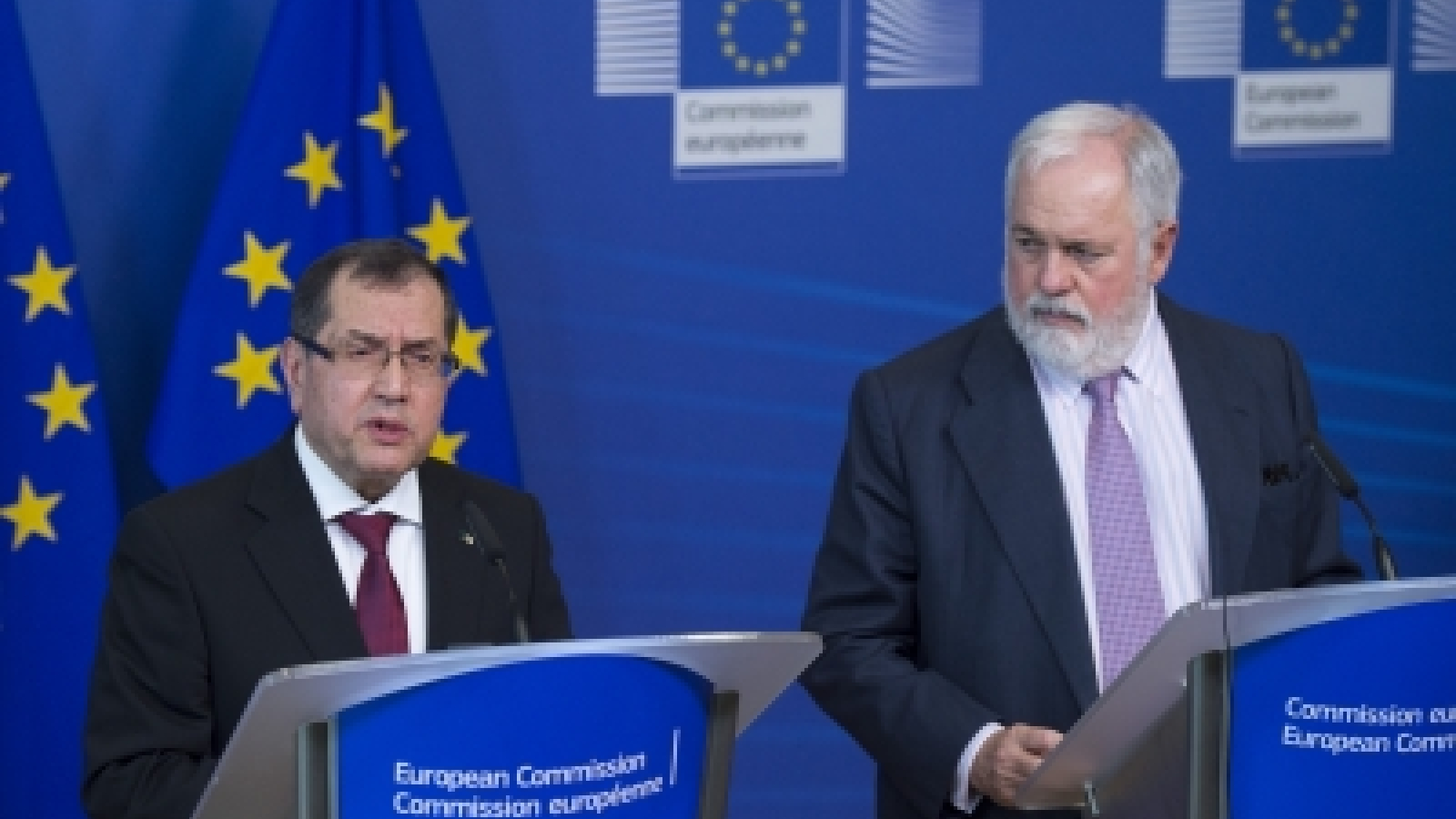 European Commissioner for Climate Action and Energy Miguel Arias Cañete and Algerian Minister for Energy Noureddine Boutarfa