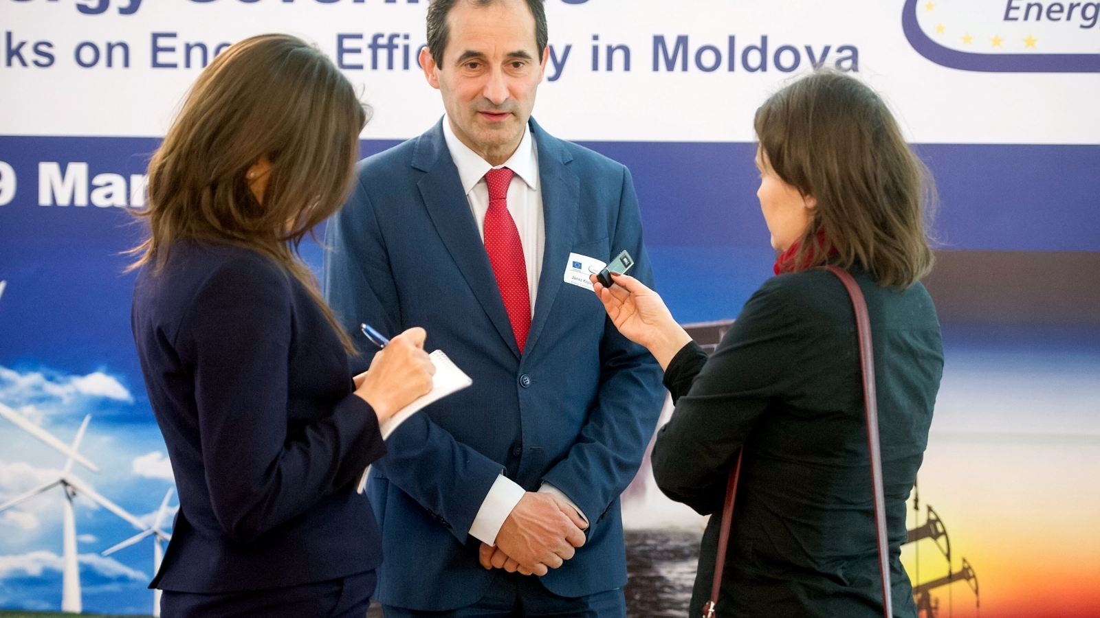 Janez Kopac Director of Energy Community Secretariat talking to Moldovan media