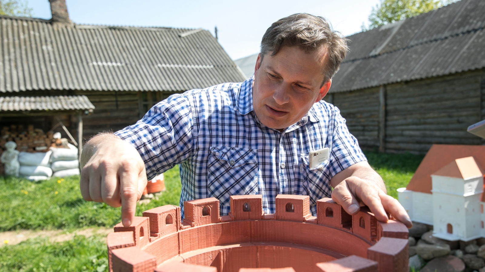Aleksandr Varykish set up a park with 3D models of castles, palaces and other attractions