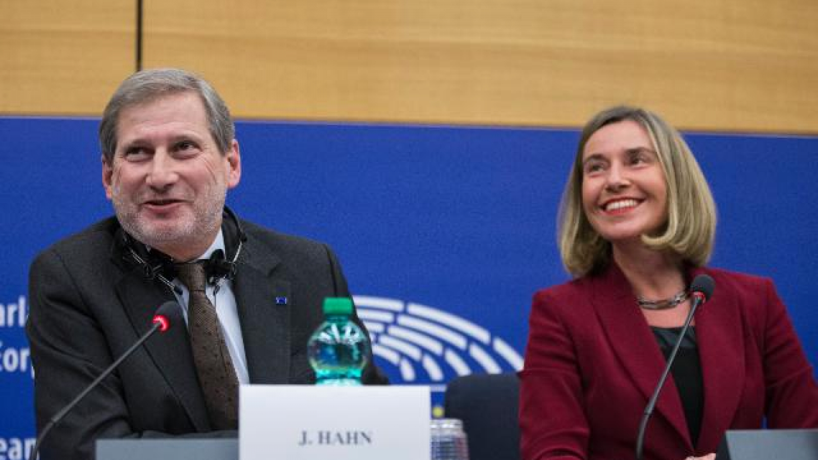 High Representative/Vice-President Mogherini and Commissioner Hahn at the third Regional Forum of the Union for the Mediterranean
