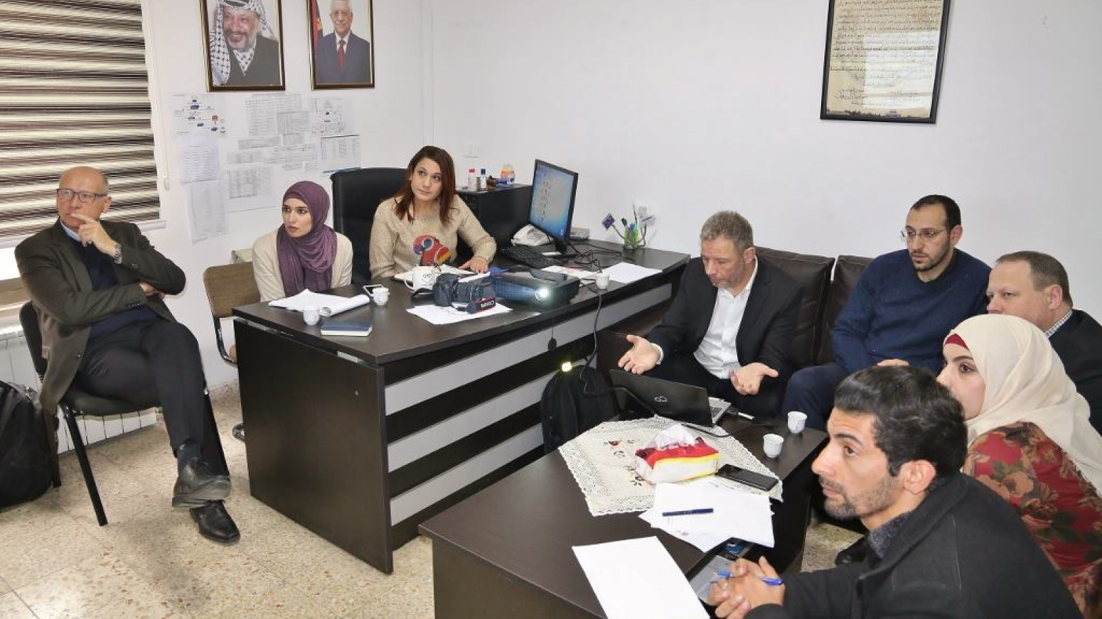 A working session in the IT Unit of the Ministry of Justice.