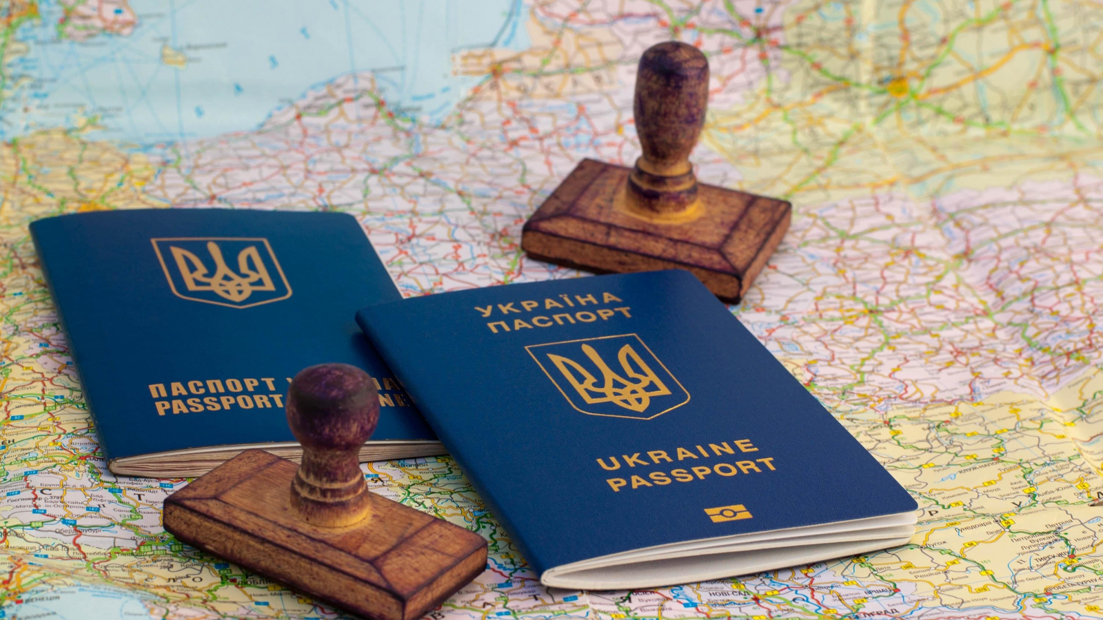 Ukrainian passports, stamps and map of Europe (Photo: Shutterstock.com)