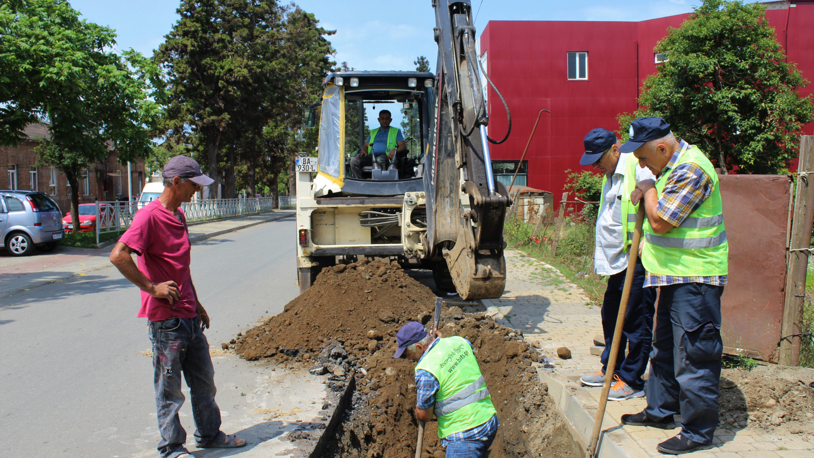Agmashenebeli Street, Chakvi – work to connecting recipients to the new sewage system continues