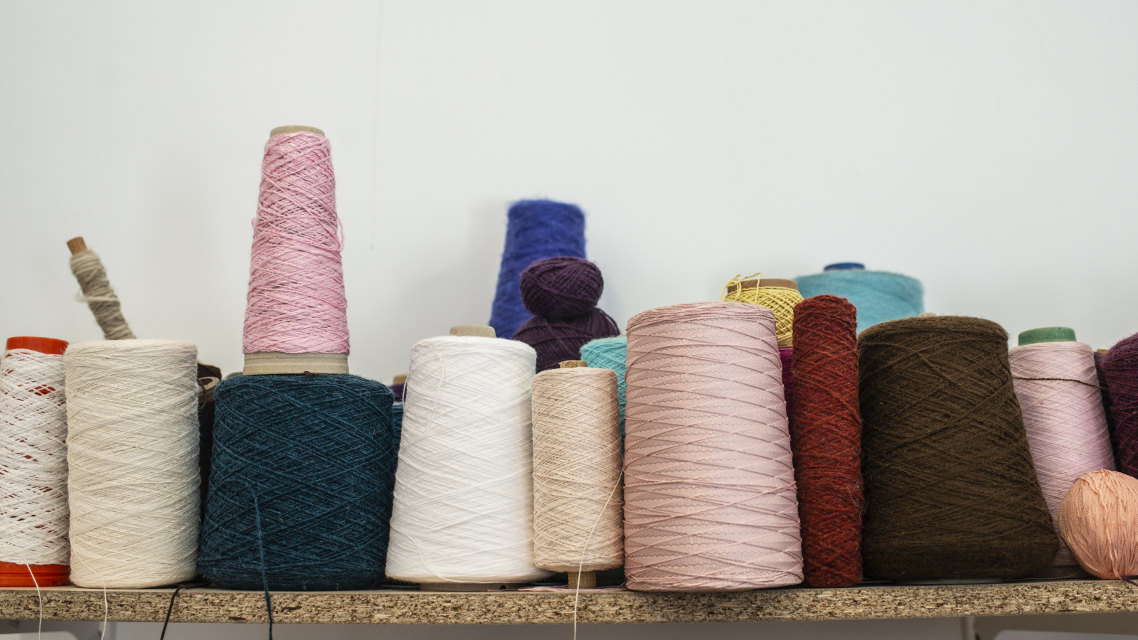 Amasia Wool Factory uses natural colours
