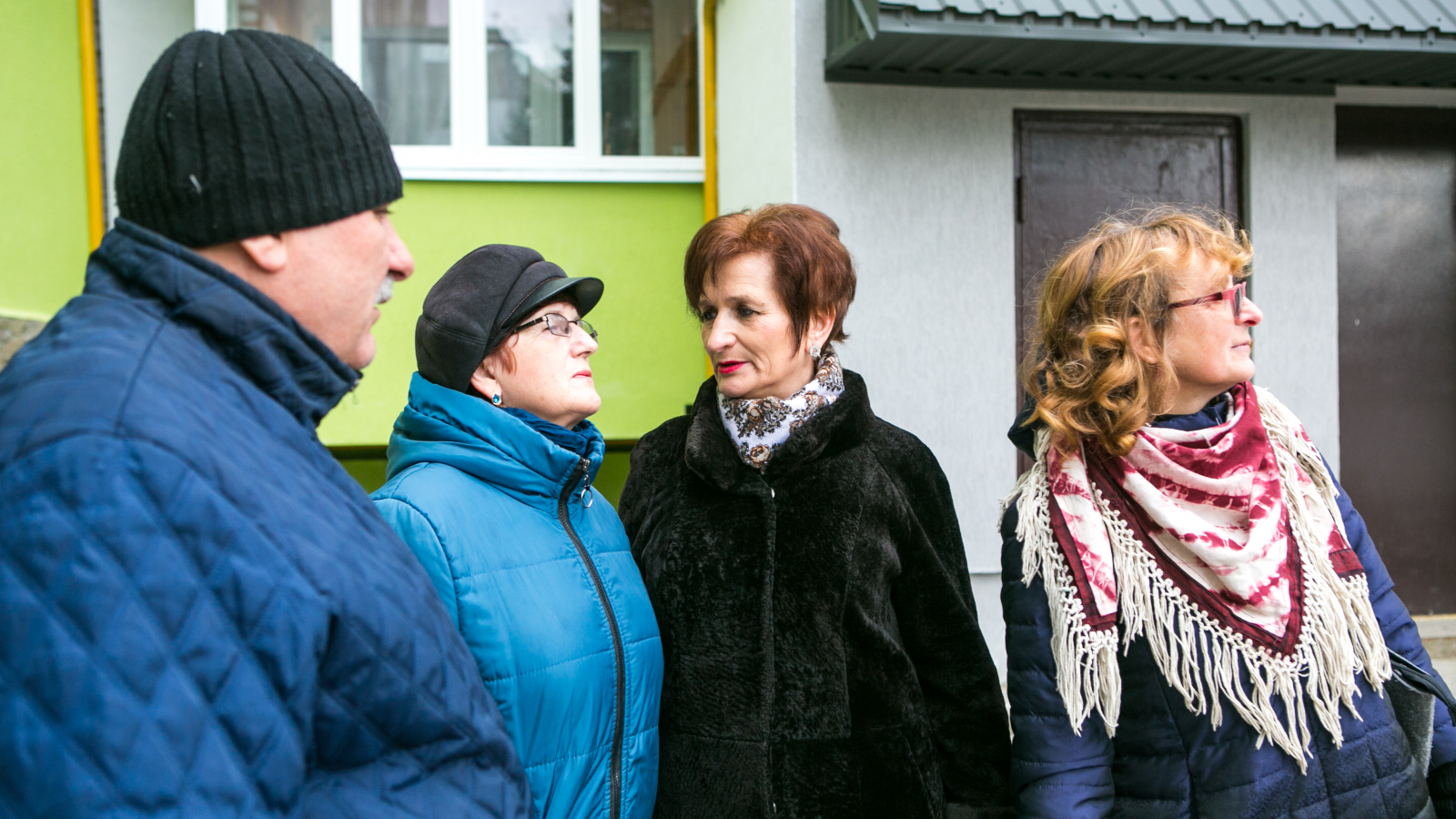 Halyna Djulai, Halyna Kohut and residents of 'Lypy 2'